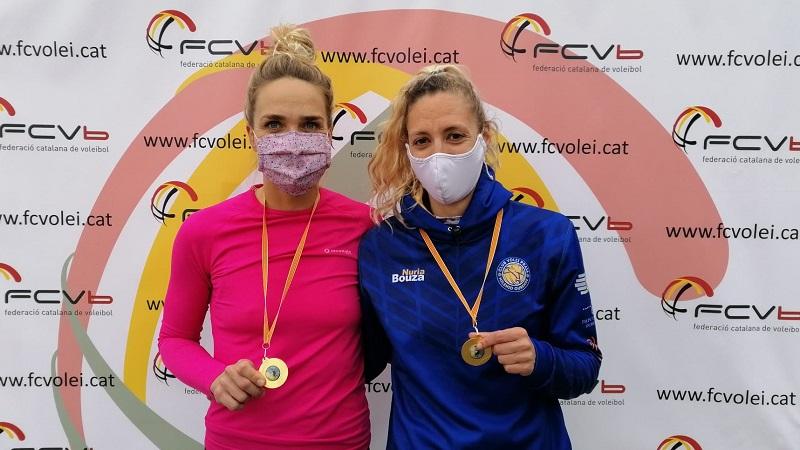 Kadri Puri i Nuria Bouza reines de la Lliga d'Hivern de Vòlei Platja